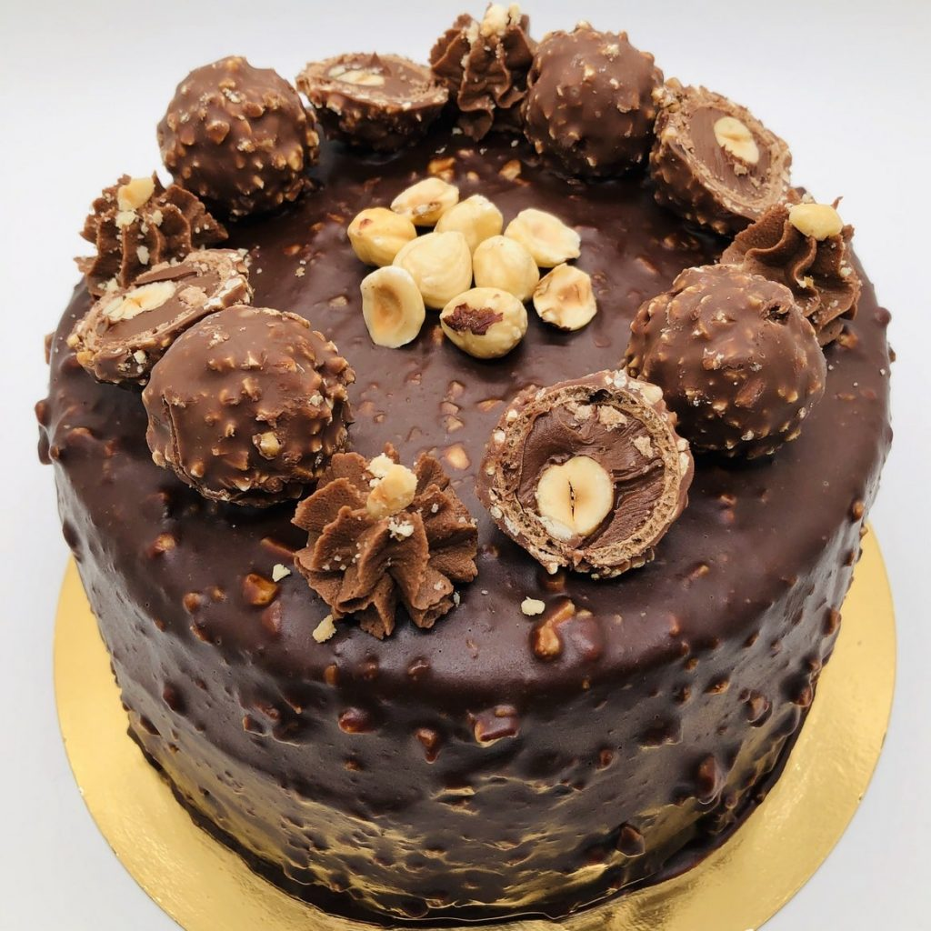 Tort Ferrero Rocher – tort la comanda Bucuresti