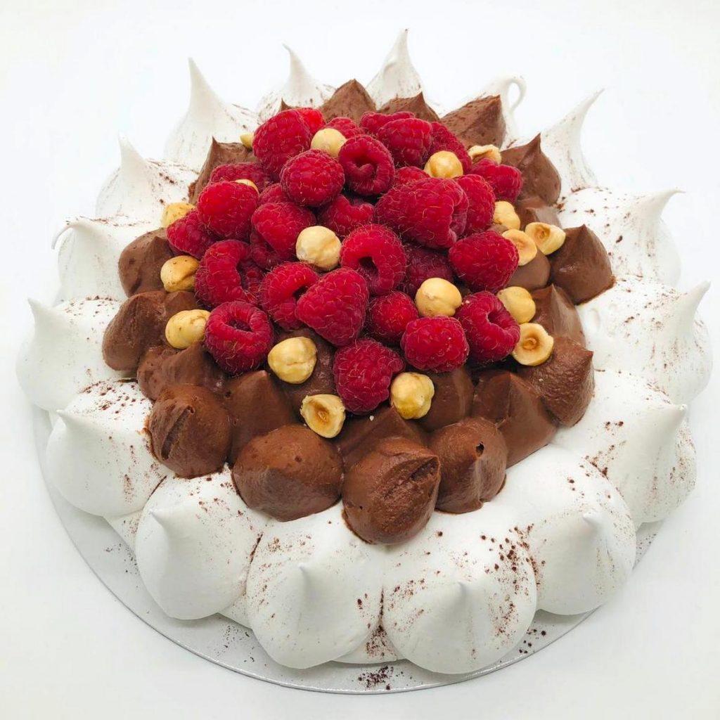 Tort Pavlova – tort la comanda Bucuresti