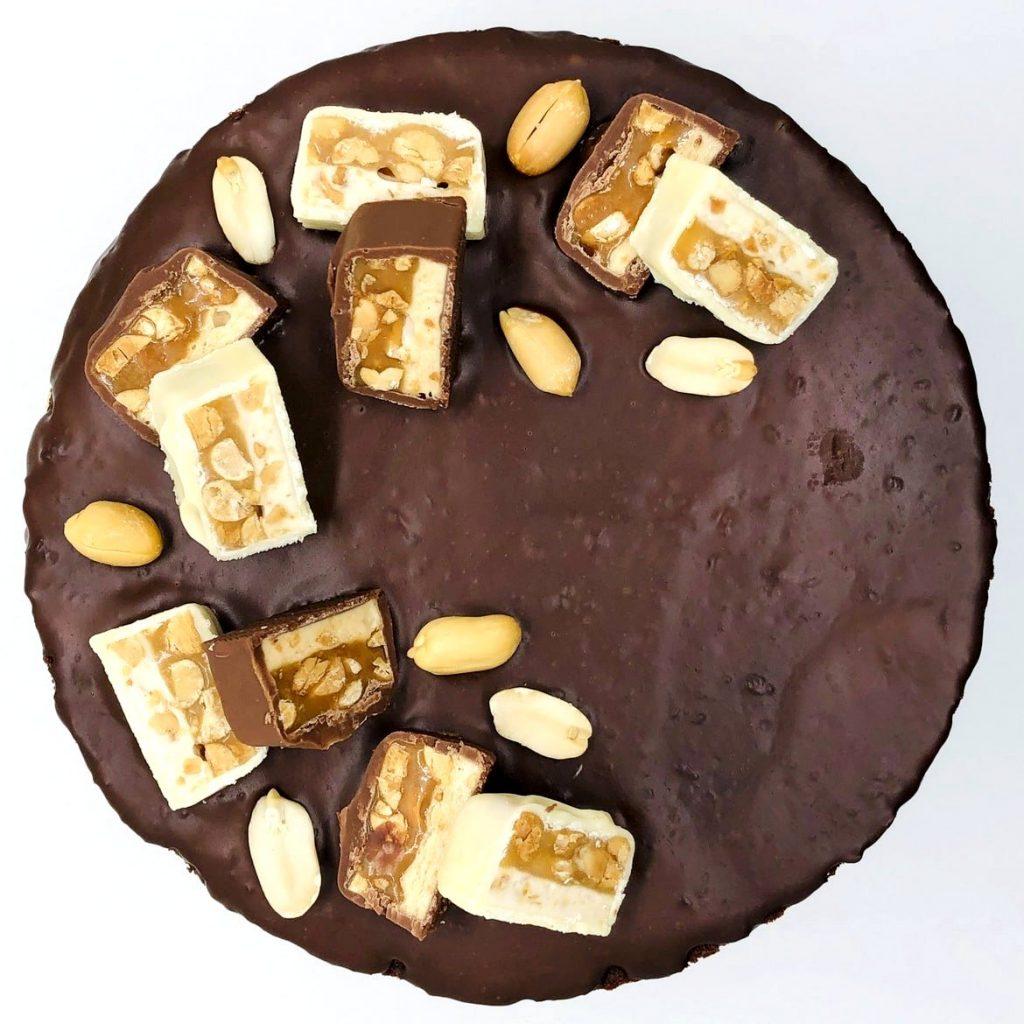 Tort Snickers – tort la comanda Bucuresti